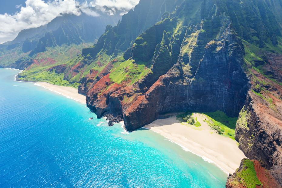 930-Na-Pali-Coast-On-Kauai-Island-51356344